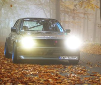 autumn-drift-e30-yeti